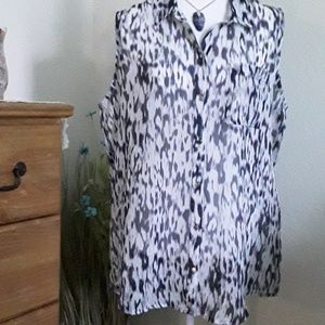 Liz Claiborne sleeveless sheer button tunic